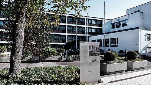 Außenansicht Bundesrat im Nordflügel des Bundeshauses in Bonn, (c) Stiftung Haus der Geschichte/Benjamin Westhoff