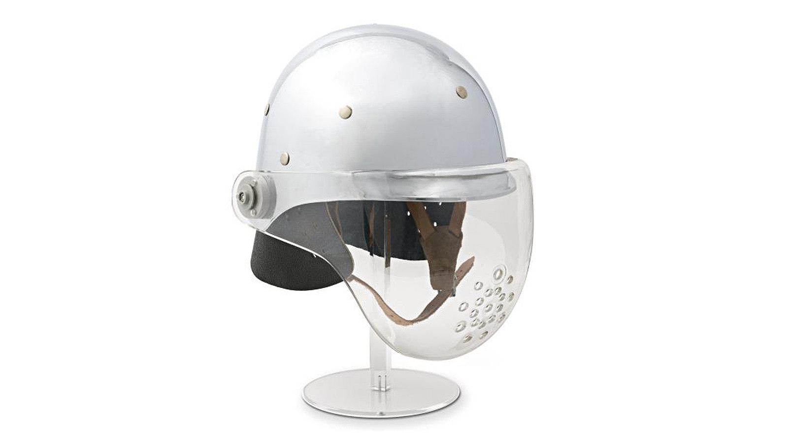 Silberner Design-Feuerwehrhelm