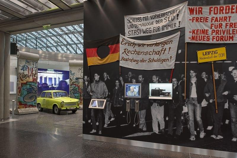 Montagsdemonstrationen und Mauerfall 1989 in der Dauerausstellung im Haus der Geschichte