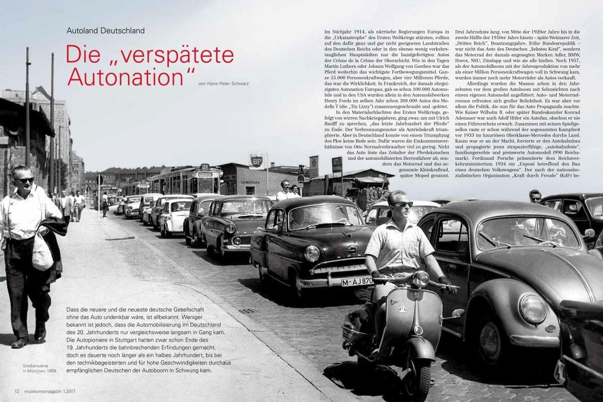 Die Überschrift und der Text sind auf eine Schwarz-Weiß-Fotografie gedruckt mit einer Straße voller Autos, einem Rollerfahrer und einem Fußgänger