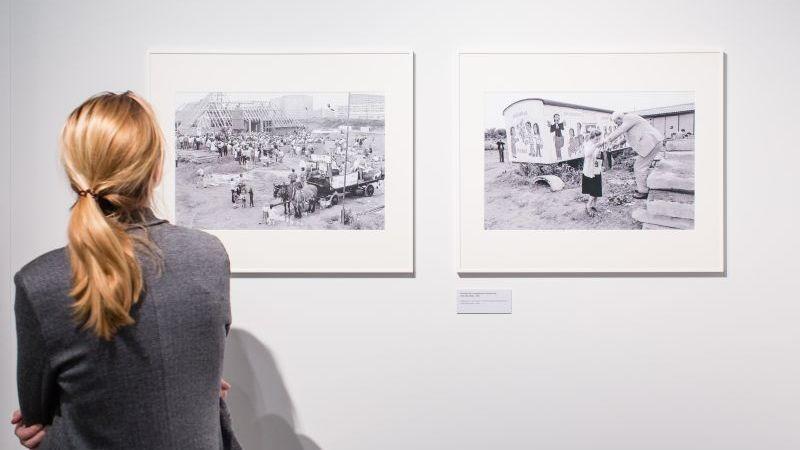 Die Ausstellungen werden an kulturelle Einrichtungen ausgeliehen