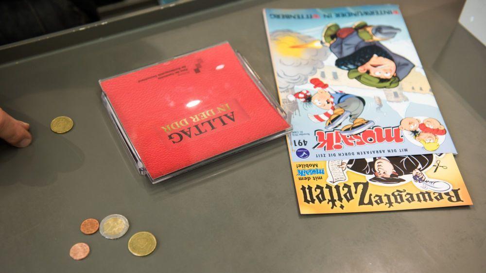 Münzen auf dem Shop-Counter