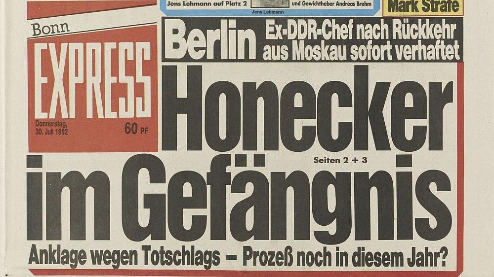 Titelseite der Zeitung 'Express' aus dem Jahr 1992 mit der Schlagzeile: 'Honecker im Gefängnis'.