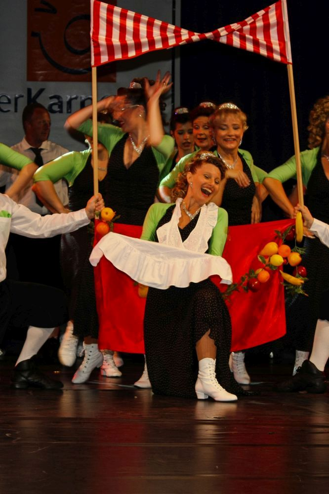 Kölsche Tanztheater – Poppelsdorfer Schlossmadämchen und Schlossjunker