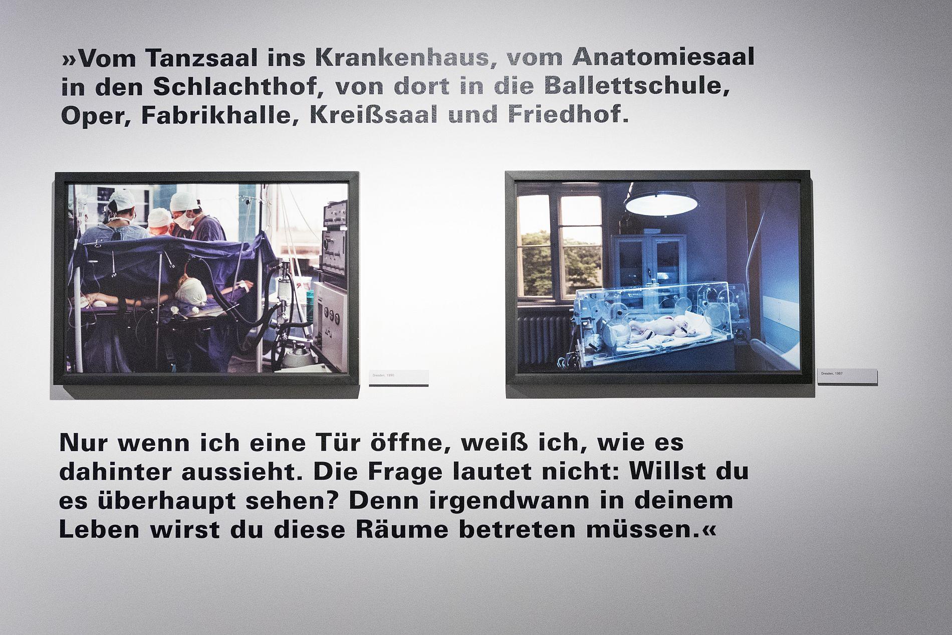 Die Ausstellung 'Zuhause ist ein fernes Land' mit Fotografien von Gundula Schulze Eldowy im Ausstellungspavillon der Stiftung Haus der Geschichte in Bonn