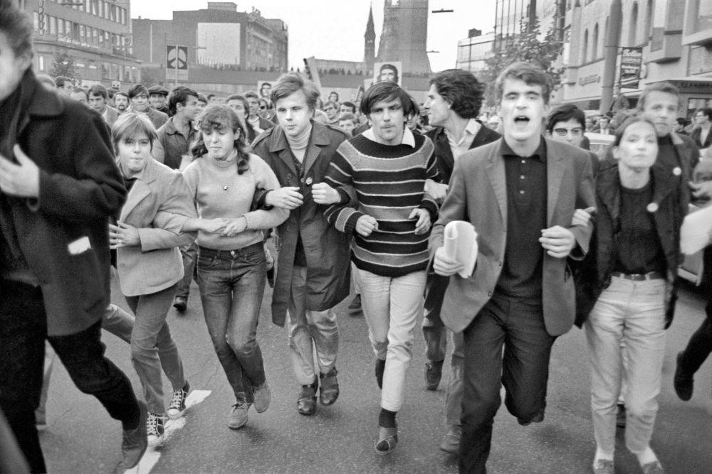 Rudi Dutschke beim Internationalen Demonstrationstag gegen den Vietnamkrieg