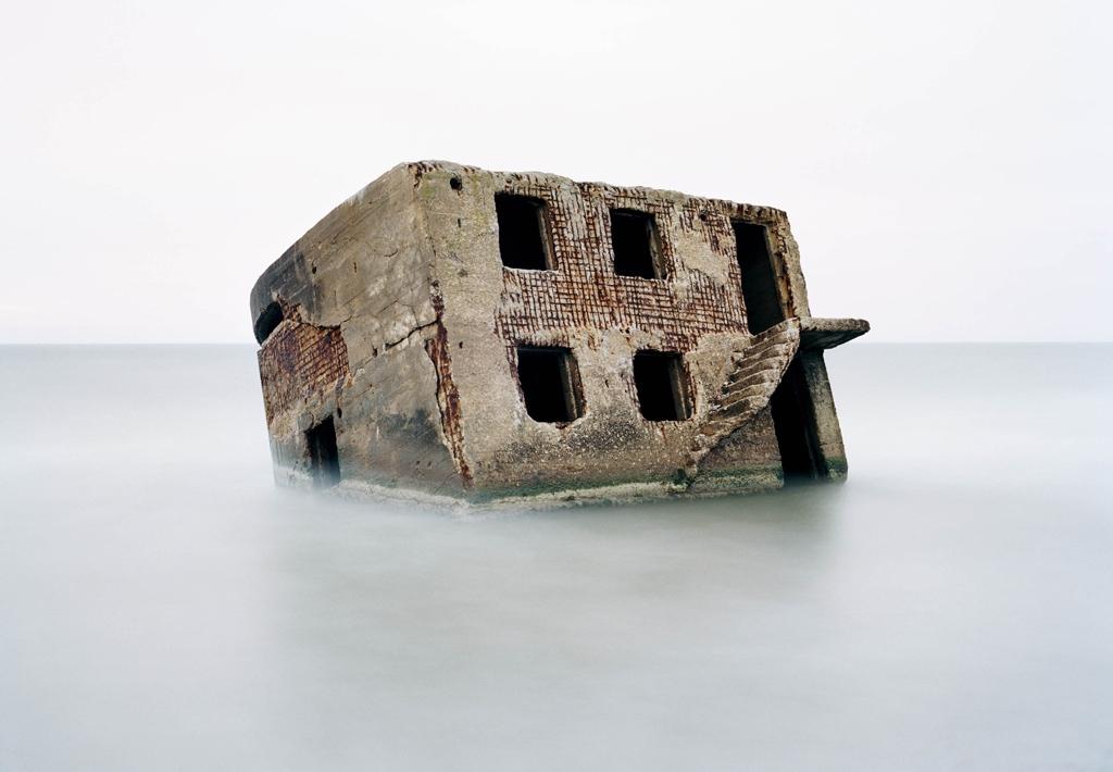Lettland, Liepāja. Bunker auf einem sowjetischen Marinestützpunkt in der Ostsee; 2002