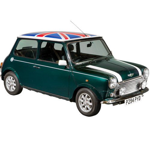 Dunkelgrüner Mini Cooper mit Union Jack auf dem Dach