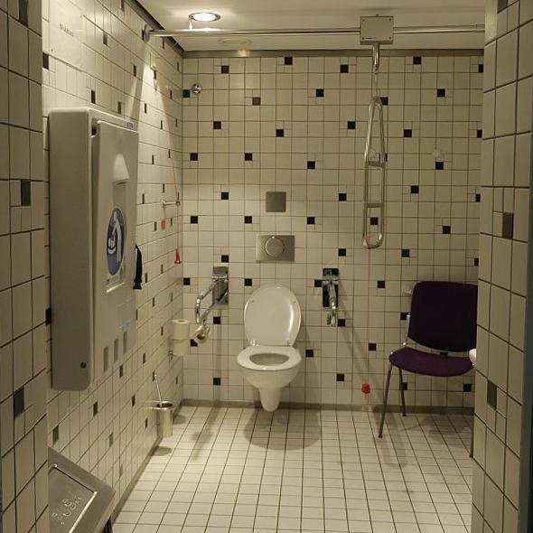 Blick auf das barrierefreie WC