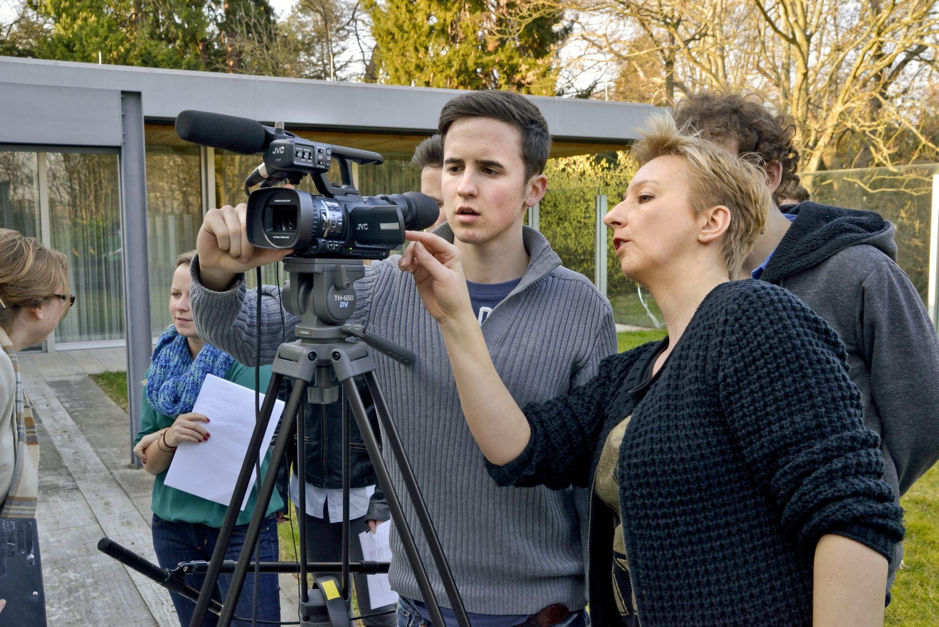 Filmarbeiten der TeenGroup 2014/2015 am Kanzlerbungalow