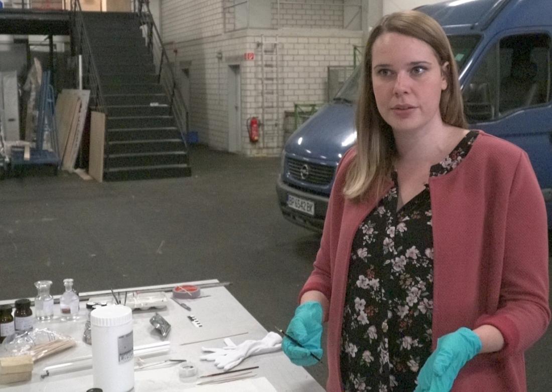 Restauratorin Julia Höhler-Brockmann