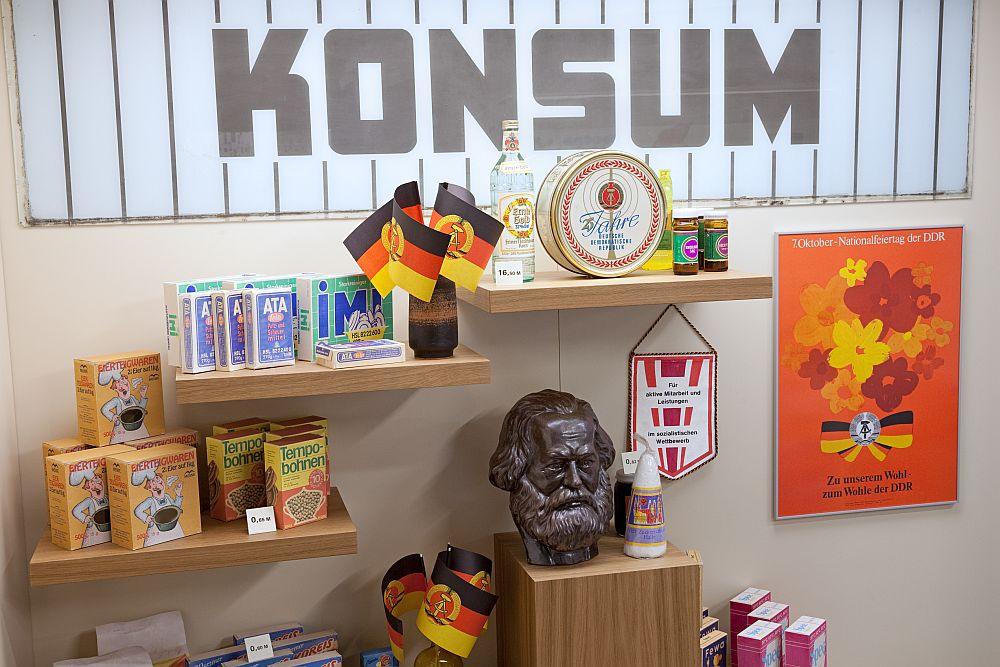 Blick in die Warenwelt der DDR