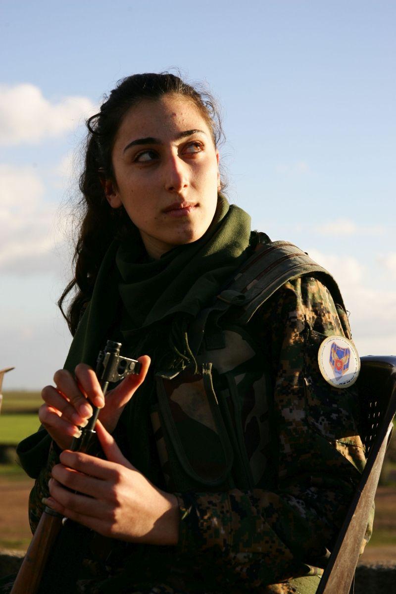 Kommandeurin einer christlichen Fraueneinheit. Syrien, 2016
