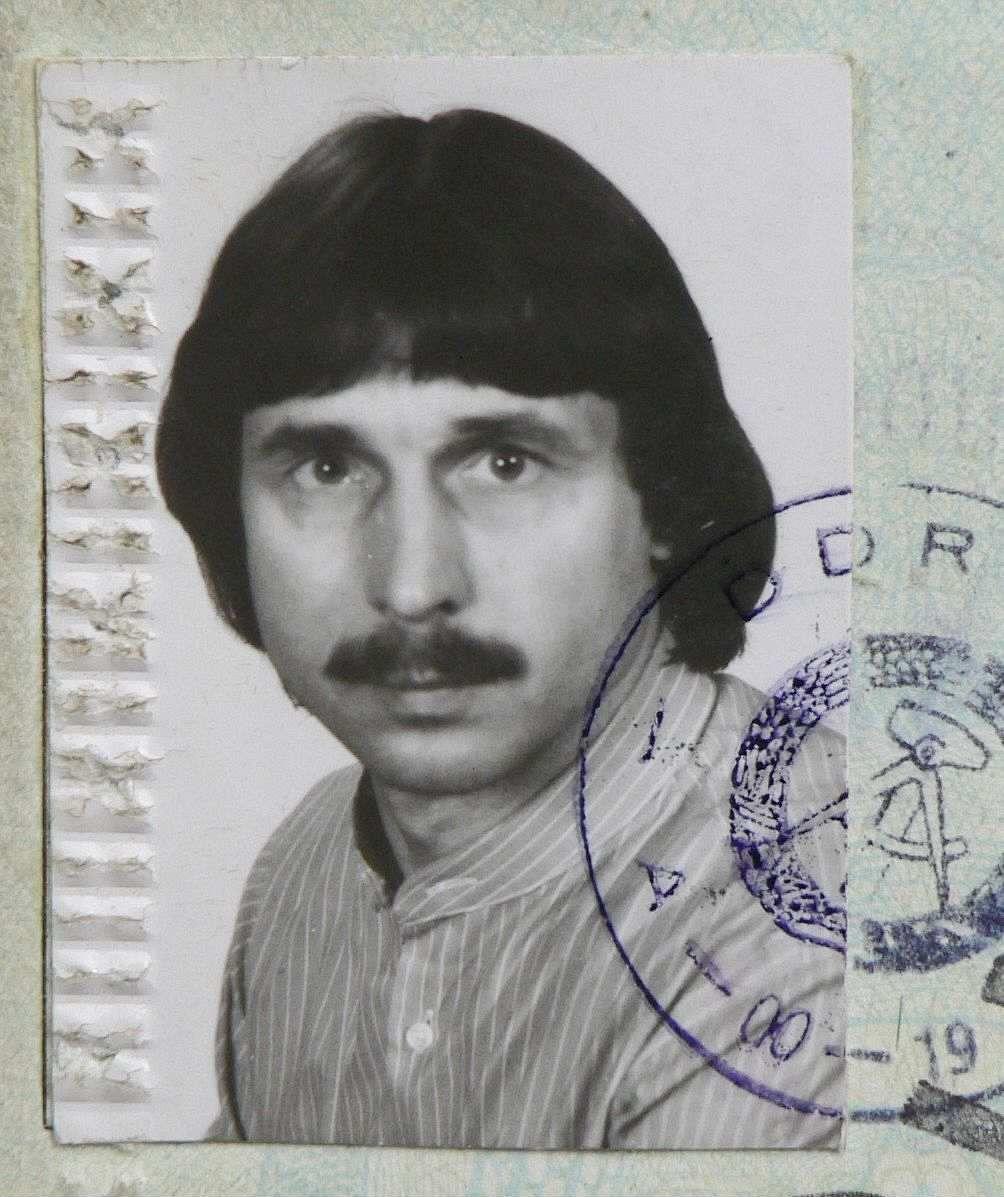 Passfoto des Zeitzeugen Werner Pethke aus den 1980er Jahren.