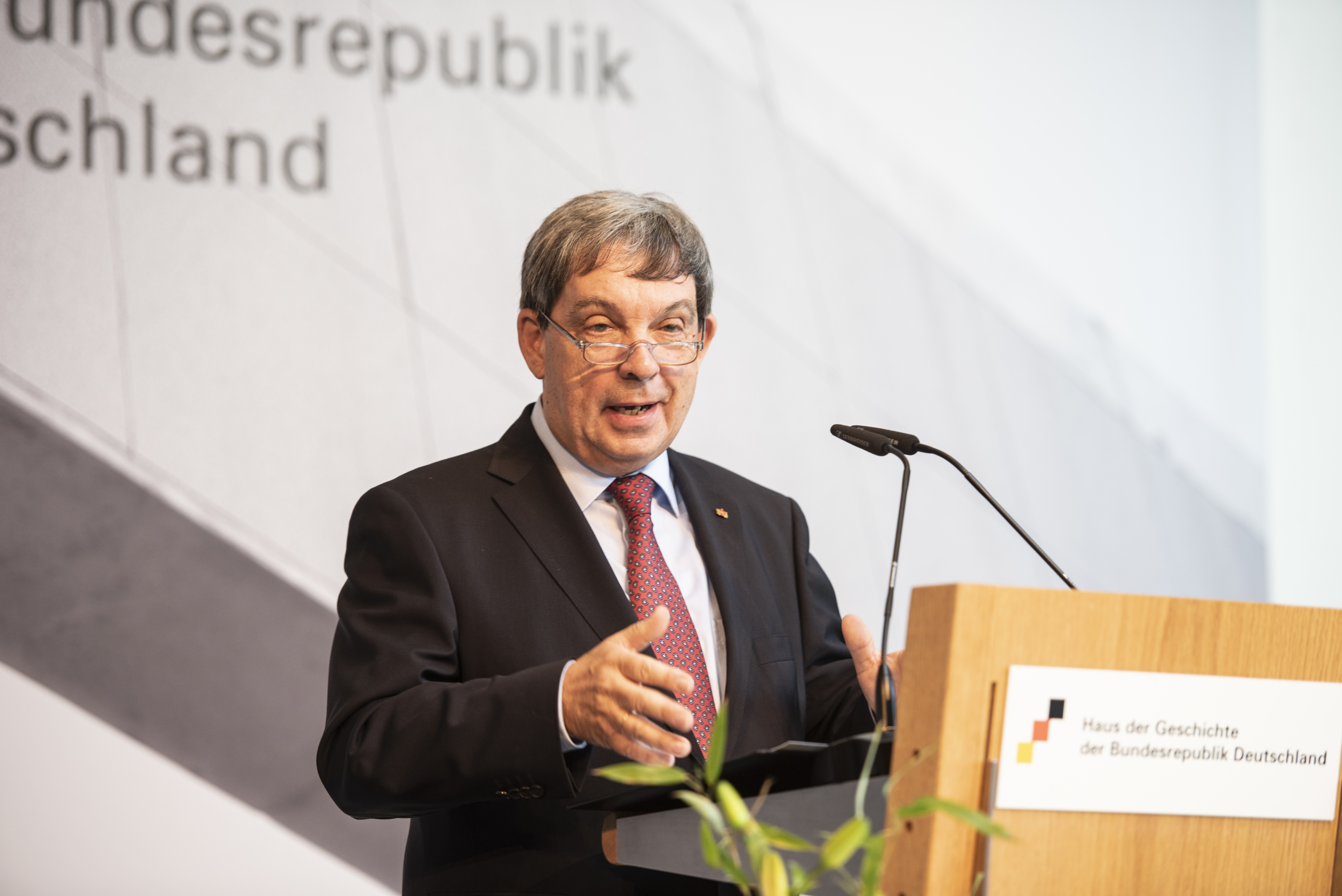 Prof. Dr. Hans Walter Hütter, Präsident
