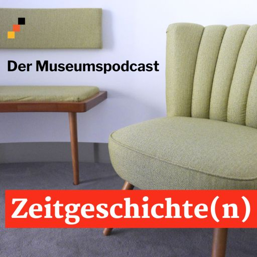 Podcast-Logo mit Sessel und Sitzbank