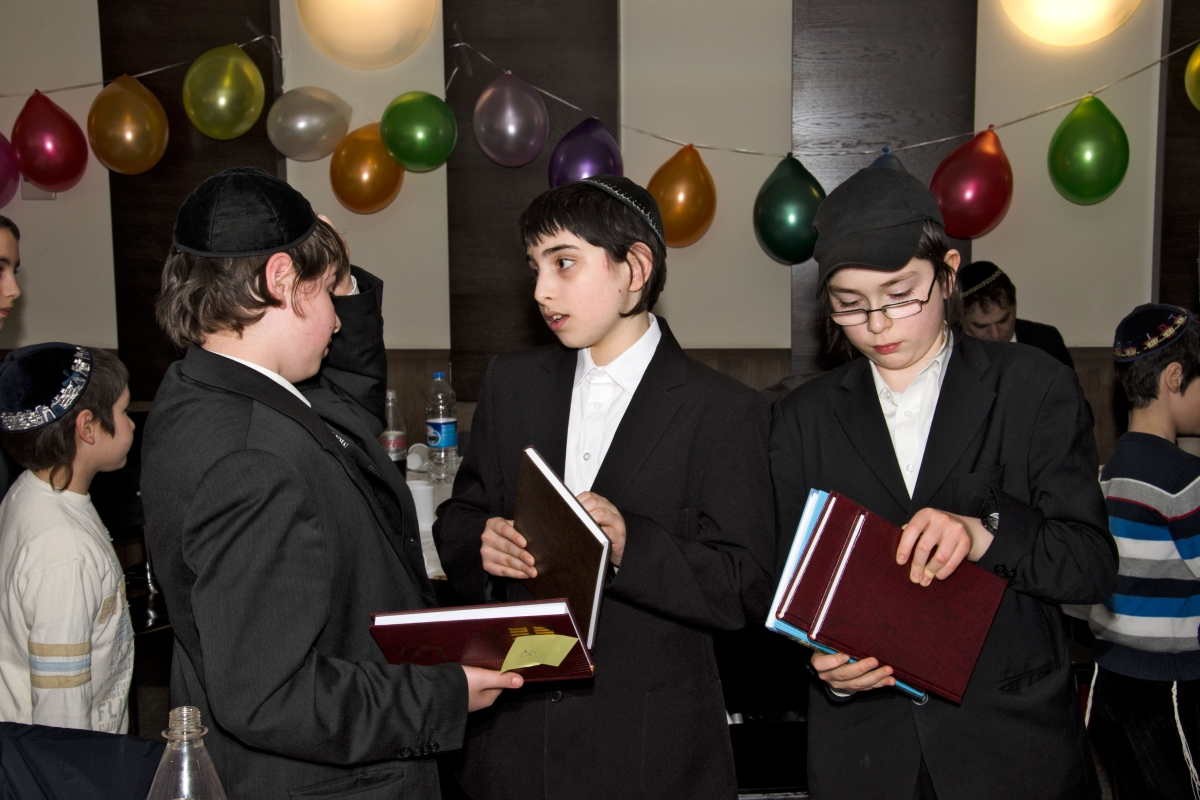 Graduation ceremony at a Talmud school in Berlin. Photo by Benyamin Reich.