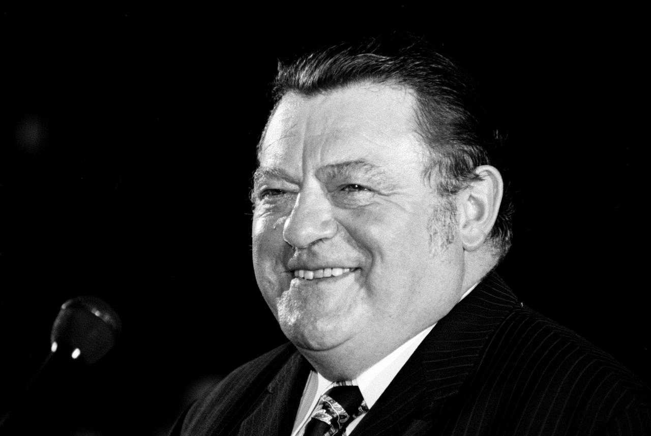 Foto des CSU-Vorsitzender Franz <b>Josef Strauß</b> an seinem 60. - strauss-franz-josef_foto_LEMO-F-6-158_bbst