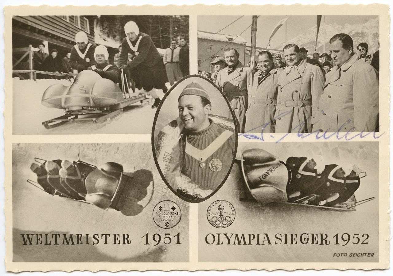 Schwarz-Weiss-Postkarte mit fünf Fotomotiven zur Viererbobmanschaft. U.a.  mittig Bild von Anderl