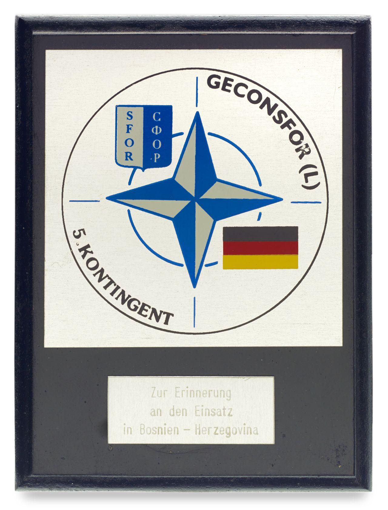 Wappen mit Dankeswidmung für den Bosnien-Einsatz für Oberstleutnant Beßer